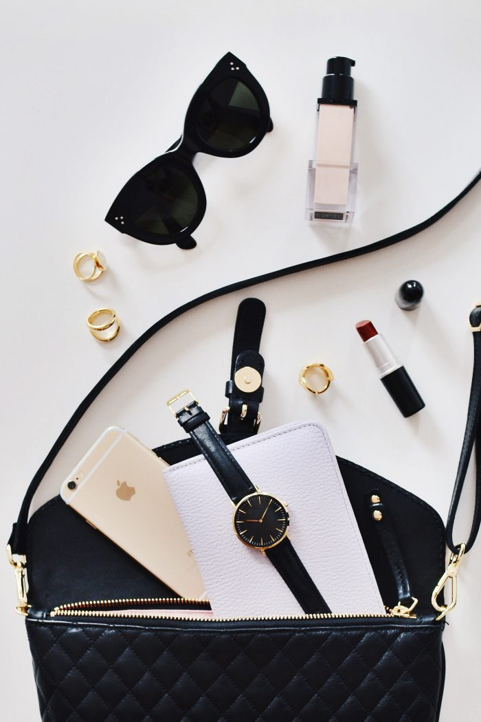 8 Essential Things to Always Keep in Your Handbag